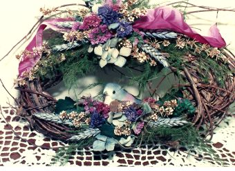 Dried flower oval wreath