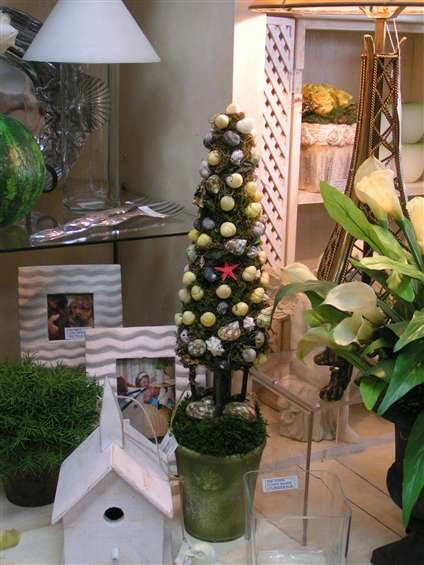 Shells topiary