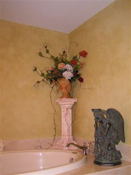 Romantic rose urn with ivy
