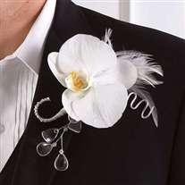White Boutonniers for man's wedding