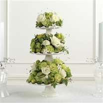 Wedding flower centerpiece. Green. 3 tiers